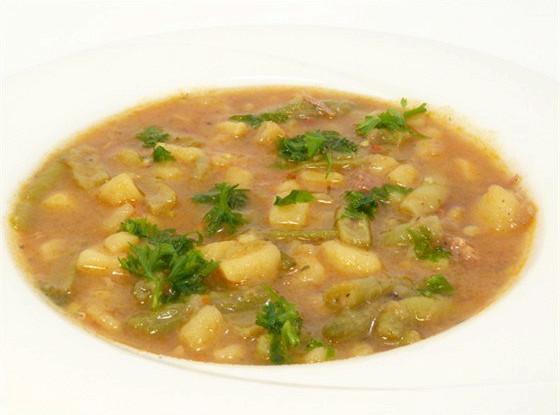 Щавелевый суп с белой фасолью