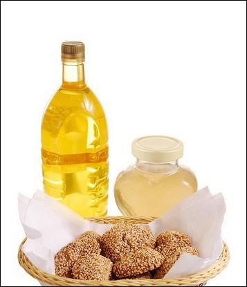 Лепешки с медом и кунжутом в сиропе