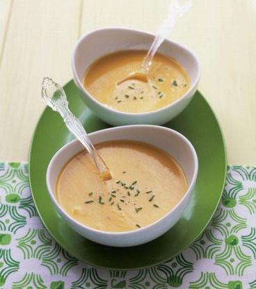Крем-суп из цветной капусты с чеддером и укропом