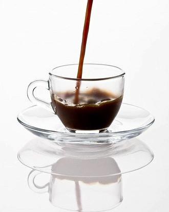 Черный кофе с яичной скорлупой