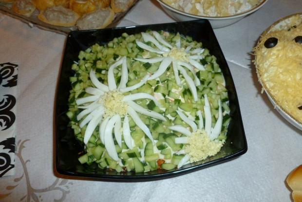 Слоеный салат с горбушей