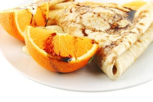 Апельсиновые блины из овсянки с курагой