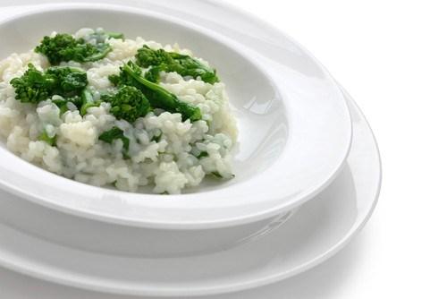 Рис с брокколи в сливочно-сырном соусе
