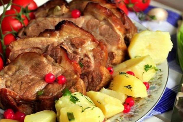 Телятина с картофелем и грибами