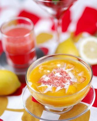Персиковый суп с кедровыми орешками