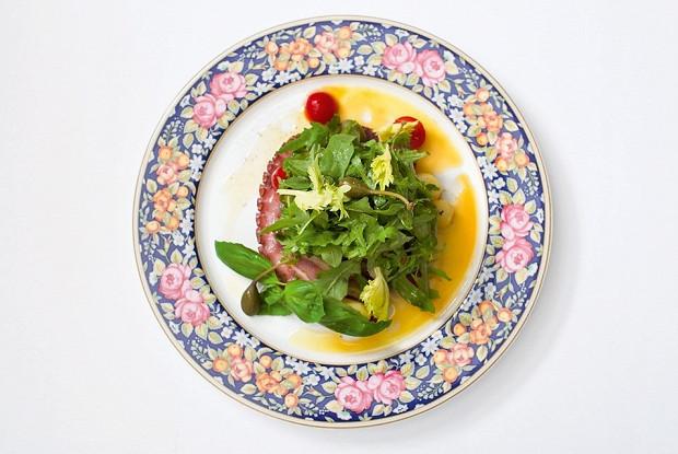 Теплый салат с картофелем и осьминогом