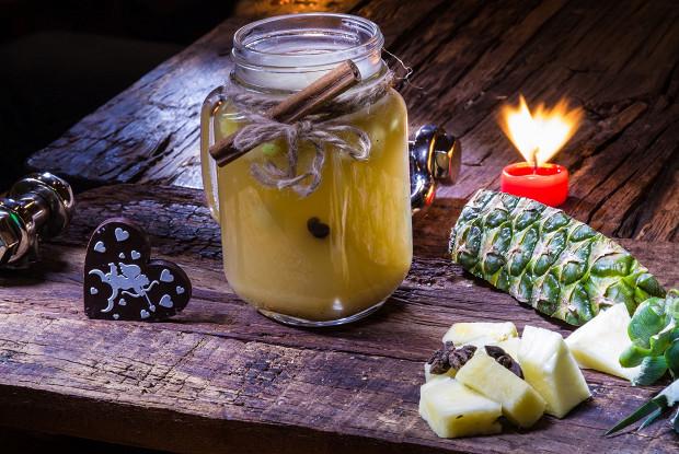 Зимний мохито с ананасом, фруктовым чаем и кардамоном