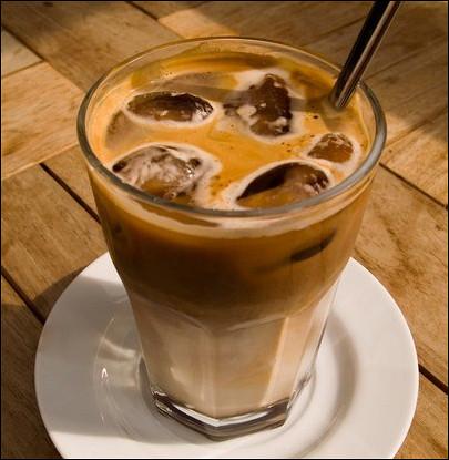 Ледяной кофе с имбирем и корицей
