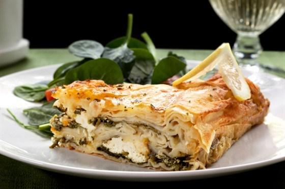 Греческий пирог со шпинатом и фетой (Spanakopita)