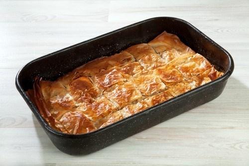 Греческий пирог с тыквой, фетой и шалфеем (Kolokithopita)