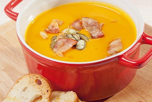 Тыквенный крем-суп с имбирём и беконом