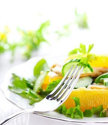 Салат апельсиновый с огурцом