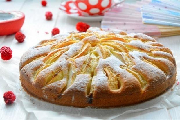 Пирог с яблоками и ванильным пудингом