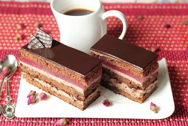 Шоколадно-малиновые пирожные