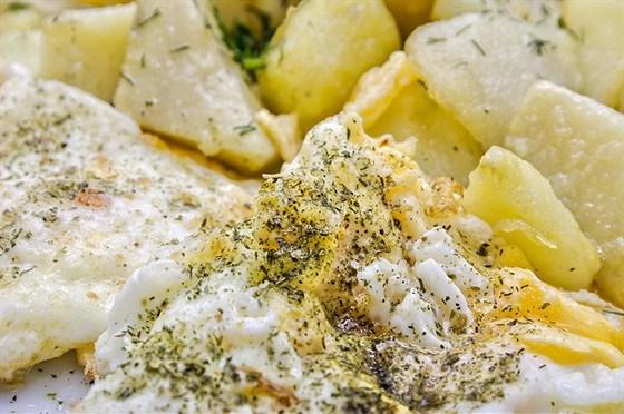 Картофель с омлетом