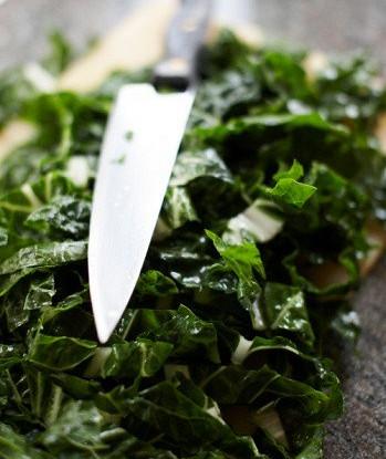 Салат из шпината с растительным маслом