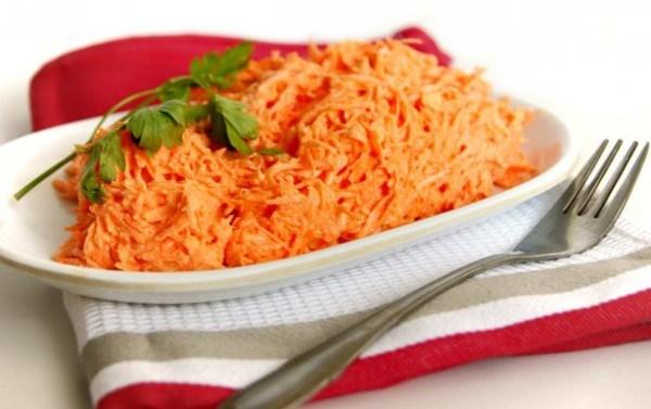 Салат из моркови с майонезом