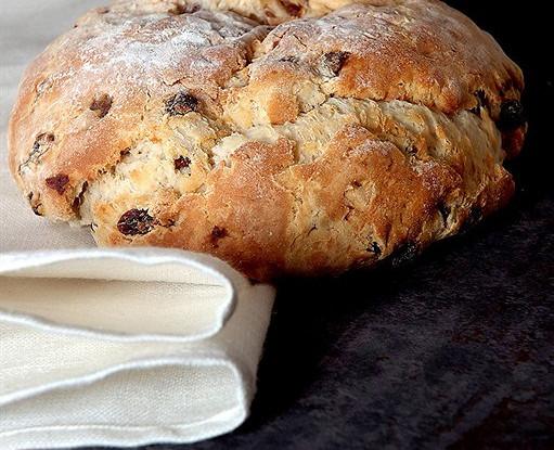 Ирландский хлеб из пресного теста