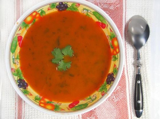 Апельсиновый суп со шпинатом