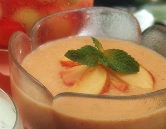 Холодный сладкий суп с нектаринами