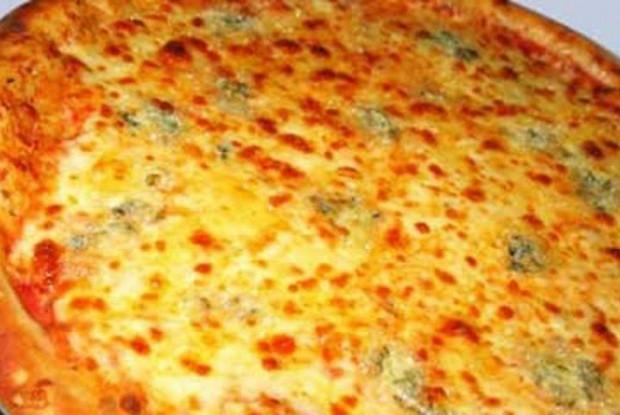 Пицца с тыквой, сыром камамбер и говядиной