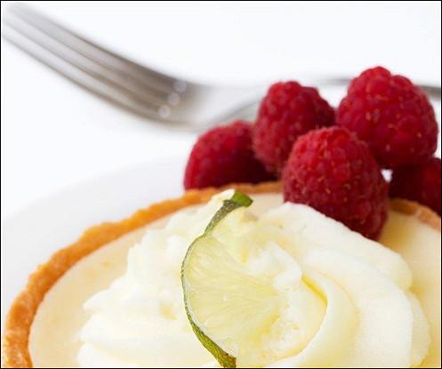 Масляный пирог с малиной