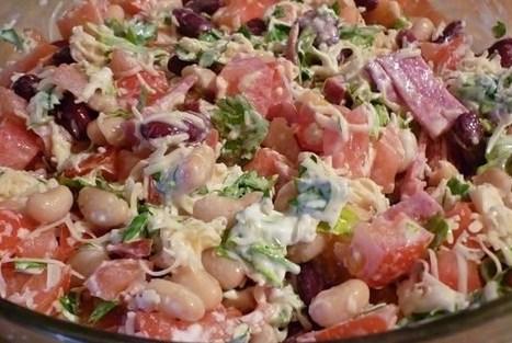 Салат с фасолью и копченой колбасой