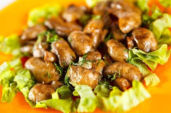 Салат из свежих шампиньонов и мяты