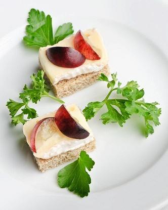 Овсяные бисквиты с маскарпоне и виноградом