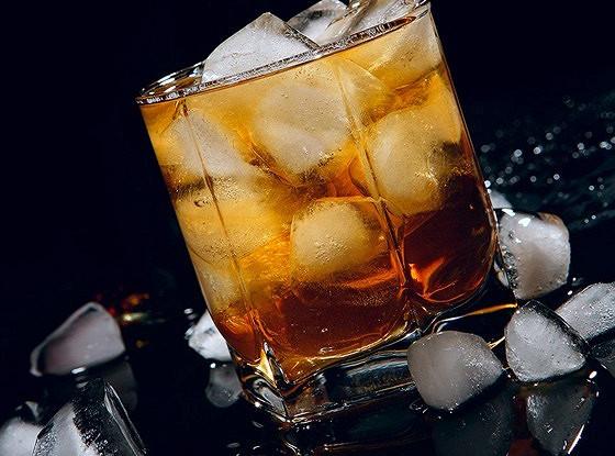 Коктейль из виски с лаймом