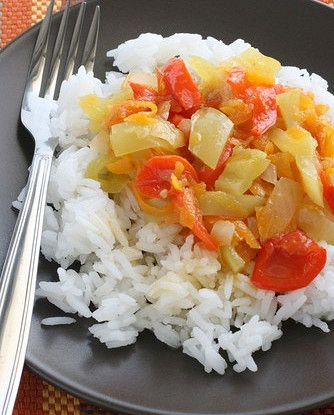 Рис арборио с печеными перцами и помидорами
