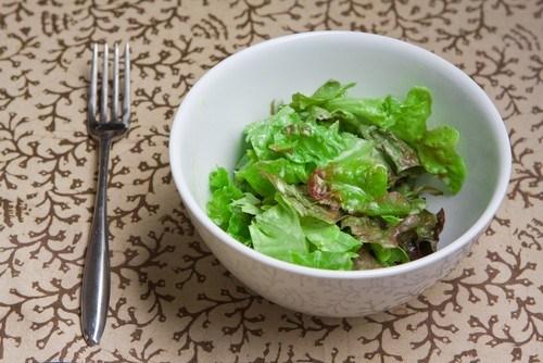 Зеленый салат с лимонным винегретом