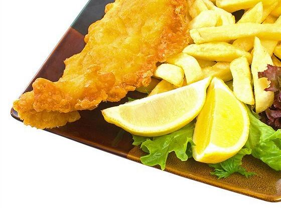 Белая рыба в специях и золотистой корочке