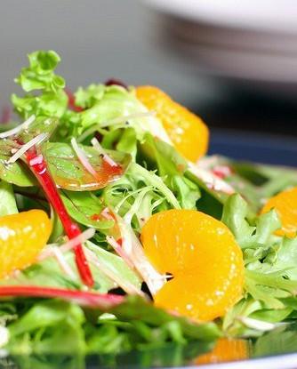 Салат из апельсинов с мелиссой