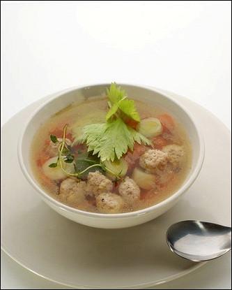 Куриный суп с шариками из индейки