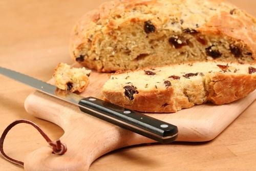 Итальянский сдобный хлеб с изюмом