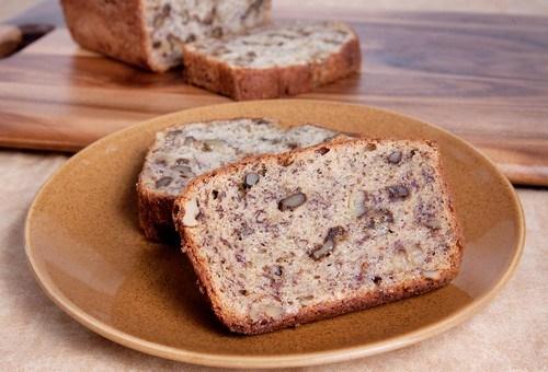 Зерновой хлеб с грецкими орехами