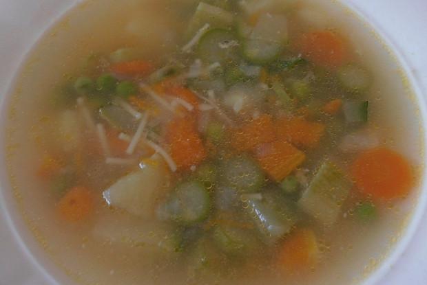 Овощной весенний суп с сыром