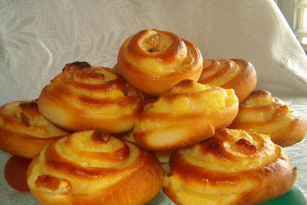 Булочки «Улитки» с начинкой из ванильного пудинга