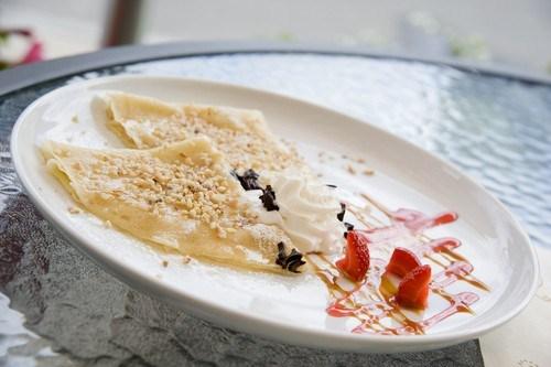 Хрустящие тортильи с ягодным соусом