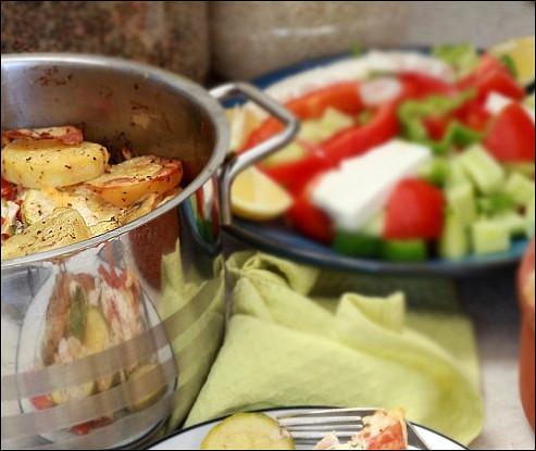 Запеченные кабачки с картофелем