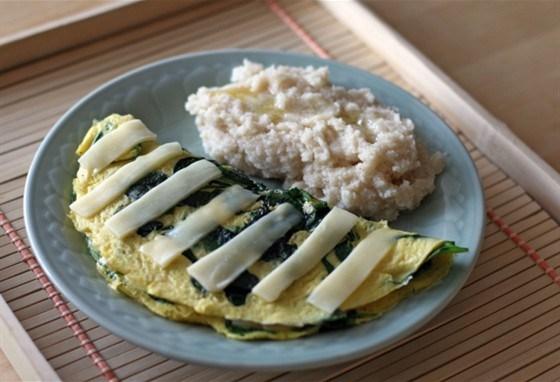 Омлет со шпинатом и фетой