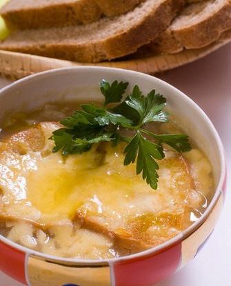 Французский луковый суп по рецепту Сюзанны Картер