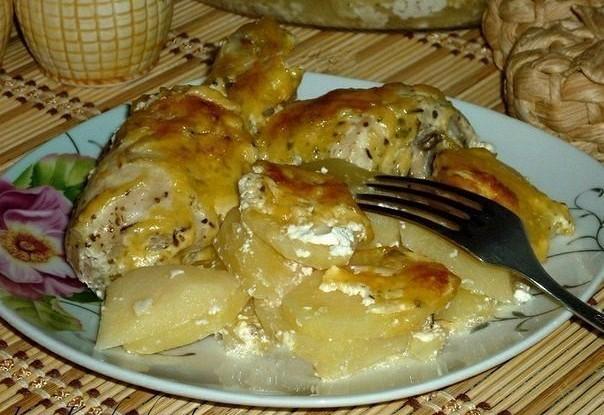 Картошка с куриными ножками в духовке