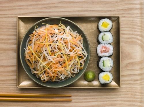 Маринованная морковь с дайконом по-вьетнамски
