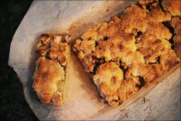 Яблочный пирог с манной крупой
