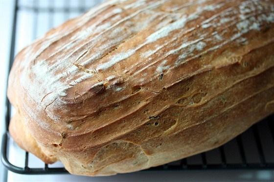 Быстрый хлеб с оливками и розмарином