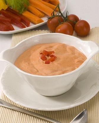 Салатная заправка из козьего сыра и томатов