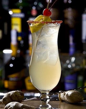 Ананасово-имбирный коктейль