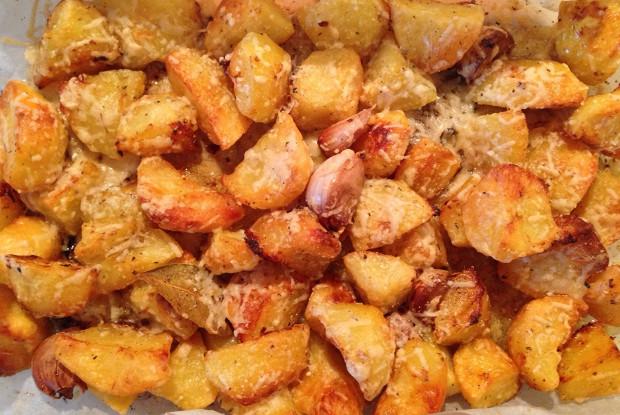 Картофель в корочке из лимона и пармезана